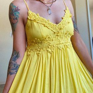 Yellow sun dress 💛